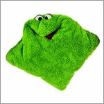 Living Puppets kissing pillow green